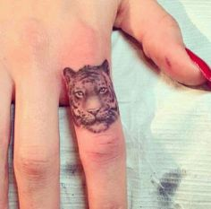 If finger tattoos weren't the worst idea ever this might be kinda cool