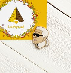 Karl Lagerfeld wooden pin Chanel Fashion France Designer Style