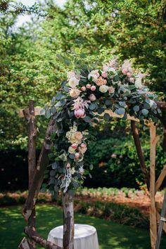 Jaw-Dropping Gorgeous Wedding Flower Ideas - wedding ceremony | Juliana Laury Photography | Philadelphia and Bucks County Wedding Photography