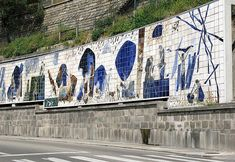 Azulejos no Porto, junto à Ribeira