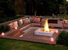 Backyard fire pit designs diy fire pit designs ideas do you want to know how to build a outdoor fire pit plans to warm your autumn and make find inspiring Fire Pit Decor, Diy Fire Pit, Fire Pit Backyard, Backyard Patio, Backyard Landscaping, Backyard Ideas, Sloped Backyard, Landscaping Ideas, Firepit Ideas