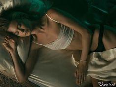 Behati Prinsloo & Adam Levine Naked in Maroon 5's Video For 'Animals'