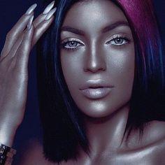 Kris Jenner Defends Kylie Metallic Face - http://oceanup.com/2015/04/06/kris-jenner-defends-kylie-metallic-face/