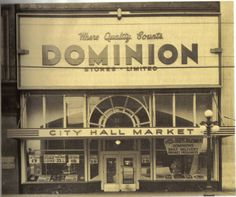 Dominion on Queen Street West, Downtown Toronto, 1940. #vintage #supermarket #shopping #Canada