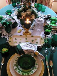 Patrick's Day Crafts and Decoration Everybody in Your Household Will Love Happy St Patricks Day, Saint Patricks, Dining Etiquette, Dinner Party Table, St Patrick's Day Decorations, Irish Roots, St Paddys Day, Luck Of The Irish, Deco Table