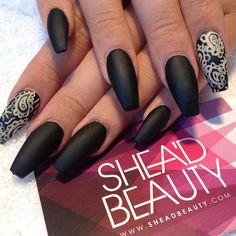 Matte black x paisley #nails #nailart #squaletto #matte #black #matteblack #art #artist #paisley #summer #SheaD #square