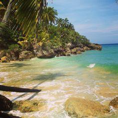 Playa Preciosa... Como su nombre es hermosa, ubicada en Río San Juan, Provincia Maria Trinidad Sánchez.