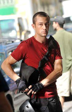 """Joseph Gordon-Levitt portrays the character of Wilee in the movie """"Premium Rush""""......"""