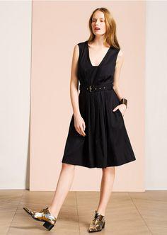 26b5e4e7c3e8e 98 meilleures images du tableau Robes   Fashion dresses, Low cut ...