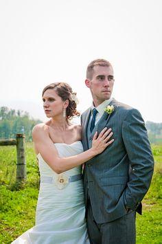 Simmone von Sydney Photography - bride and groom at Glasbern Inn