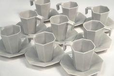 angular cup set