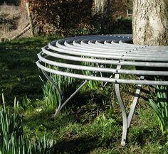 Metal tree seat