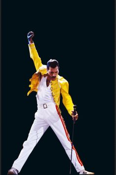 Freddie Mercury of Queen Illustration - Rock and Roll Music Icon Pop Art Home Decor in Poster Print or Canvas Queen Freddie Mercury, Freddie Mercury Quotes, John Deacon, Queen Rock, Fred Mercury, Bryan May, Rock And Roll, Freddie Mercuri, Rock Poster