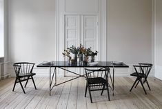 The Handvark marble dining table was not only a design challenge; it was an engineering task. Marble is both heavy and delicate so it took many prototypes to create the perfect table. Steel Dining Table, Dining Table Design, Modern Dining Table, Dining Tables, Round Tables, Round Dining, Tile Top Tables, Blog Deco, Interior Design