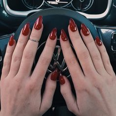 deep red almond shaped nails || @ maddibragg