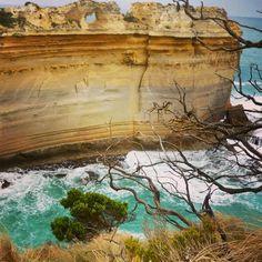 The Razorback - Great Ocean Road #portcampell #victoria #australia  #greatoceanroad #VIC #lochardgorge #australia_journey #downunder #lochardshipwreck #ocean #oceano #limmenso #aussiewonders #paradise #paradiso #tomandeva #serendipity #pristine by iaracadore