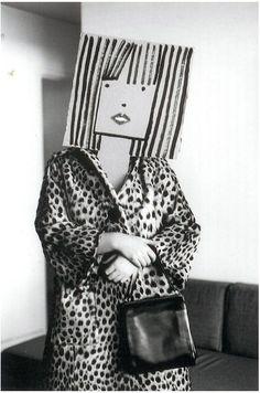 Saul Steinberg Masquerade, 1961 fotografía de Inge Morath