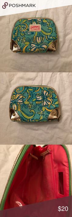 Lilly Pulitzer Tri Delta Print Makeup Bag Makeup bag in the beautiful Tri Delta print! The inside is a little makeup-y, but other than that, this is in great condition! Lilly Pulitzer Bags Travel Bags