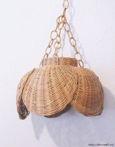 Vintage Woven Rattan Wicker Swag Hanging Lamp by modfolk on Etsy Pictures On String, Felt Pictures, Bamboo Weaving, Basket Weaving, Wicker Pendant Light, Basket Crafts, Cane Furniture, Magazine Crafts, Newspaper Crafts