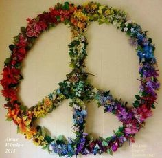 Bedroom Diy Ideas Hippie Peace Signs Ideas For 2019 Hippie Peace, Happy Hippie, Hippie Love, Hippie Art, Boho Hippie, Bohemian, Fun Crafts, Diy And Crafts, Arts And Crafts