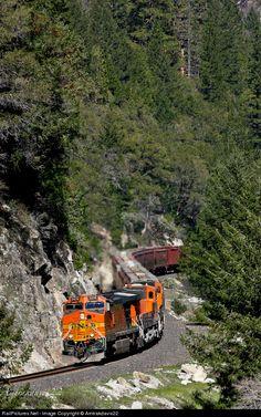 RailPictures.Net Photo: BNSF 5478 BNSF Railway GE C44-9W (Dash 9-44CW) at Pulga, California by Amtrakdavis22