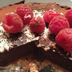 A delicious raw cheesecake bursting with 'good fats' from the avocado and nut base