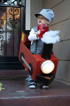 All Aboard!Halloween costume (cutest use of one of those dollar tree push lights) Toddler Boy Costumes, Toddler Halloween Costumes, Halloween Kostüm, Baby Costumes, Holidays Halloween, Children Costumes, Trains Birthday Party, Train Party, Zug Party