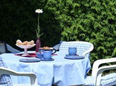 Preise      - Belegung bis 2 Personen/ab 2 Nächten: 50 Euro      - jede weitere Person pro Tag 8 Euro      - Kinder unter 3 Jahren frei  - Endreinigung inclusive      - Bettwäsche, Handtücher und Tischwäsche werden gestellt