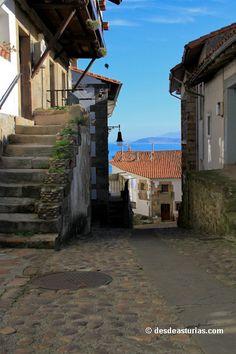 """""""Lastres"""" pueblo de pescadores Asturias.   Spain"""