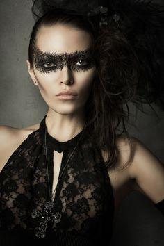 ☺ Dark Beauty : Model: Alena Tsar, Photographer: Michael Schnabl, Makeup: Franzi Meinunger