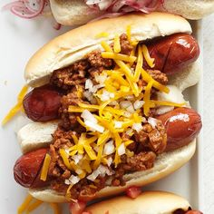 Jamie's Chipotle Chili-Cheese Dogs are the perfect entertaining food! More fantastic works of Hot Dog Perfection:  http://www.bhg.com/recipes/grilling/hot-dogs/?socsrc=bhgpin080613chipotlechilidogs=8