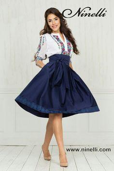 Cute outfit for the Romania trip! Mexican Fashion, Mexican Outfit, Mexican Dresses, 15 Dresses, Pretty Dresses, Casual Dresses, Bridesmaid Dresses, Vestido Charro, Quinceanera Dresses