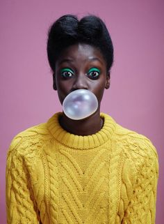 Portrait Photography Inspiration : tomboybklyn:Bubble gum pop Interesting editorial images and designs for The Indie Practice Art Pop, Foto Pop Art, Foto Fashion, Fashion Mode, Portrait Fotografie Inspiration, Girl Pose, Portrait Photography, Fashion Photography, Portrait Studio