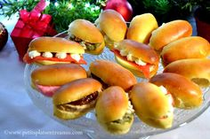 6 mini sandwich-shuttle ideas to make yourself! Sandwich Buffet, Sandwich Cake, Mini Sandwiches, Breakfast And Brunch, Mini Hamburgers, Bbq Appetizers, Mini Pizza, Vol Au Vent, Buffets
