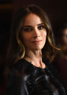 Abigail Spencer Photos - Actress Abigail Spencer arrives at the premiere of SundanceTV's 'Rectify' Season Two at Sundance Sunset Cinema on June 2014 in Los Angeles, California. - 'Rectifiy' Premieres at Sundance Abigail Spencer Hair, The Haunting In Connecticut, Chasing Mavericks, Cowboys & Aliens, Florida, Red Carpet Event, Belleza Natural, Celebs, Celebrities