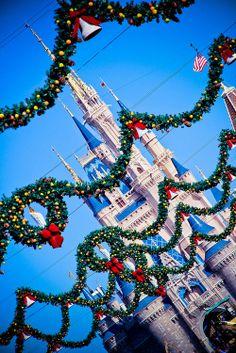 Christmas at Disney World!!  Mousetalestravel.com/Keri-Reyes-2/
