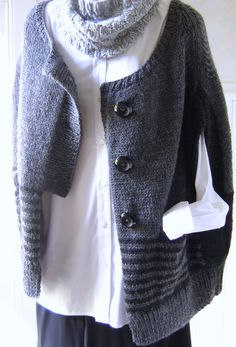 Part wrap, part vest, part cardigan - this Maddy Laine knitting pattern creates a topper that can add a fashionable layer to an outfit or sit on the back of your chair waiting to chase out a chill. Easy Knitting Patterns, Knitting Stitches, Knitting Projects, Cardigan Fashion, Knit Fashion, Cardigan Pattern, Wrap Cardigan, How To Purl Knit, Color Stripes