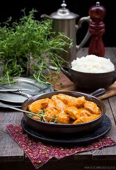 Chicken in Indian Iron Skillet Recipes, Skillet Meals, Garam Masala, Tikki Masala, Indian Food Recipes, Ethnic Recipes, India Food, Special Recipes, International Recipes
