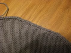 Fiona's Knitting: The Stair Step Trick - how to get smooth edges around sleeve heads and along shoulder seams