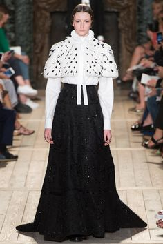 Valentino Fall 2016 Couture Fashion Show - Allyson Chalmers~~Just gorgeous...Can always count on Valentino. ~~mje