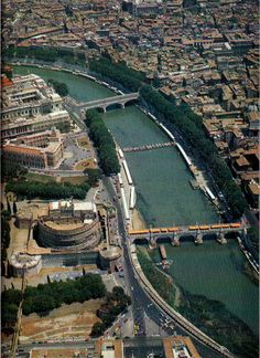 Castel Sant' Angelo and the Tiber, Rome. - Love the Castel Sant' Angelo, did a presentation on it once ;-)