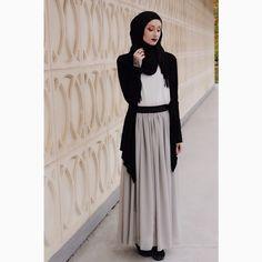 Kendyl Aurora | Hijab Fashion | Modest Fashion | Dark Fashion | Monochrome