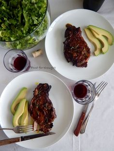 Food for thought: Χοιρινές μπριζόλες μαριναρισμένες με δενδρολίβανο, μουστάρδα και μπαλσάμικο Greek Recipes, Steak, Pork, Cooking Recipes, Kale Stir Fry, Chef Recipes, Greek Food Recipes, Steaks