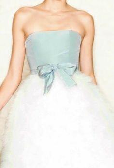 Blue Velvet Top, Velvet Tops, Blue Dress Outfits, Blue Dresses, Blue Christmas, Christmas Colors, Christmas Wishes, Catwalk Fashion, Fashion Show