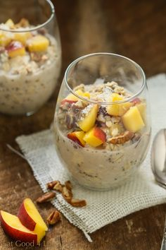 Peaches and cream overnight oats | Eat Good 4 Life Gluten-free and vegan and done in just 10 minutes. You can also use strawberries if you like! #ad #lovemysilk