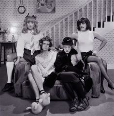 Roger Taylor Brian May John Deacon & Freddie Mercury. Queen I Want To Break Free Also Deacon is kinda hot. Deacon is dressed as the old lady. Queen Freddie Mercury, Freddie Mercury Mustache, Freddie Mercury Meme, John Deacon, Queen Photos, Queen Pictures, I Am A Queen, Save The Queen, Queen Brian May