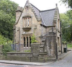 Dalry Cemetery Lodge House, Edinburgh I would go past this house every day on the way to work and always wanted to live there!
