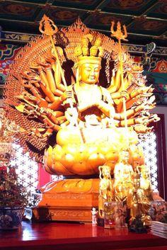 A Chinese Temple Wat Leng Nei Yi 2 – Guan Yin Thousands Hands