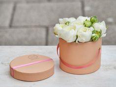 Mini virágdoboz boglárkával