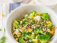 Sałatka z brokułów i fety Garam Masala, Cheddar, Feta, Broccoli, Lunch, Vegetables, Cheddar Cheese, Eat Lunch, Veggie Food
